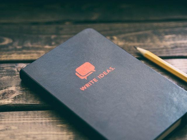 アイデアを書き出すためのノート